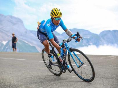 El ciclista colombiano Nairo Quintana (Movistar Team), en los Lagos de Covadonga durante La Vuelta 2018.