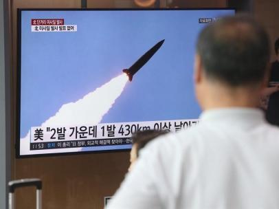 Corea del Norte lanza dos misiles balísticos