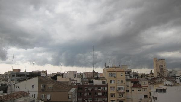 Nubes sobre un municipio de Valencia