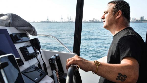 Ángel León en barco