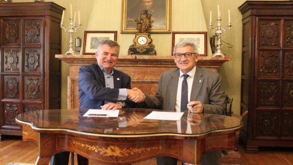 Firma de colaboración entre Universidad de Oviedo y Club Asturiano de la Innovación