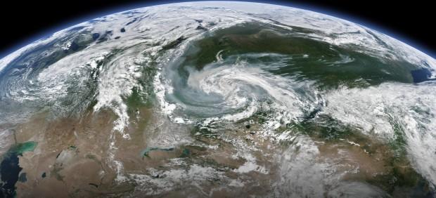 Imagen de satélite en la que se ve el incendio que sufren varias regiones de Rusia