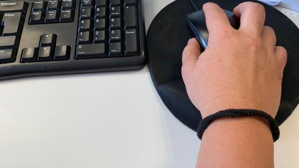 LLevar un coletero en la mano puede provocar síndrome del túnel carpiano.