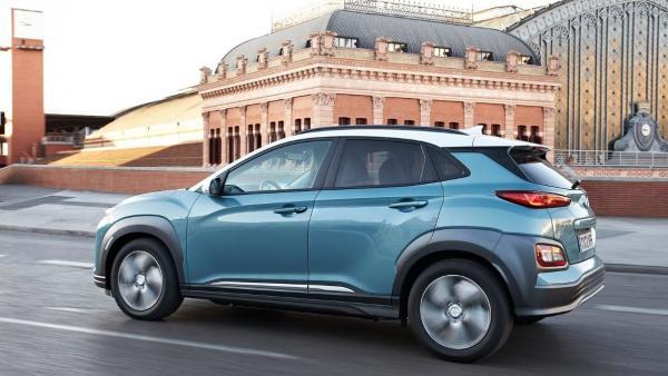 Hyundai instalará un punto de recarga a los compradores de sus modelos 100% eléctricos