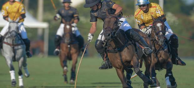 Partido entre el Brunei Polo Team y el MB Polo en la Copa de Plata Royal Bliss de alto hándicap