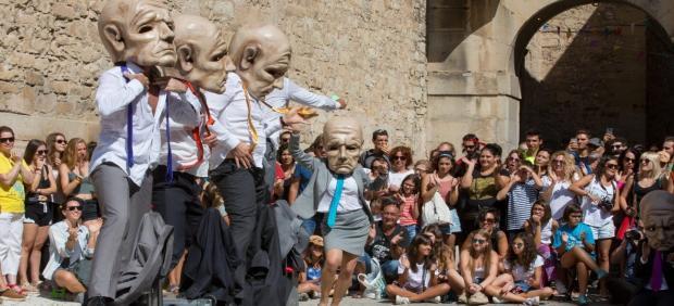 La CCMA y Fira Tàrrega firman un convenio para difundir las artes escénicas