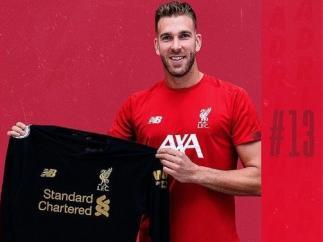 El portero Adrián San Miguel ficha por el Liverpool