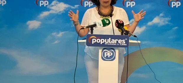 La portavoz del PP de Cádiz, Carmen Sánchez, en rueda de prensa este lunes
