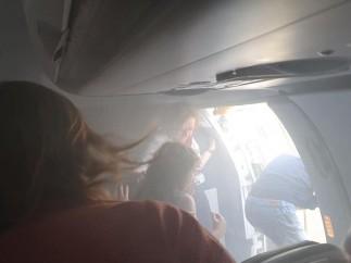 Momento del incidente en el avión de British Airways.