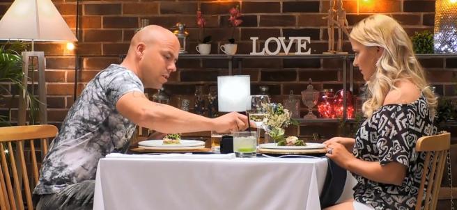 Jesús y Laura, en 'First dates'.