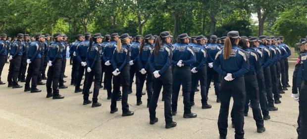 Imagen de archivo de agentes de Policía Municipal de Madrid durante un desfile en el Parque de El Retiro.