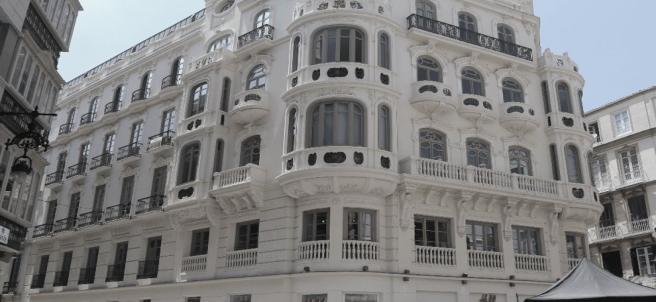 Edificio de la plaza Félix Sáenz de Málaga capital