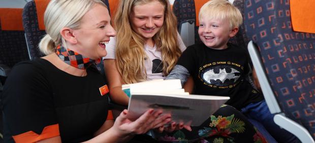 Lectura, libros, avión, pasajeros, niños