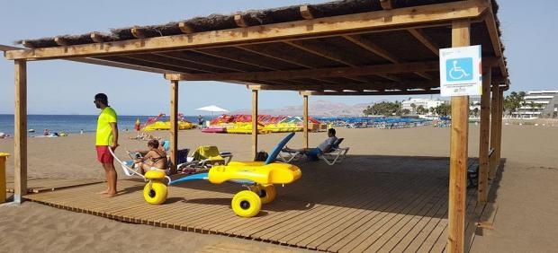 Playa Grande, en Puerto del Carmen, en el municipio de Tías (Lanzarote)
