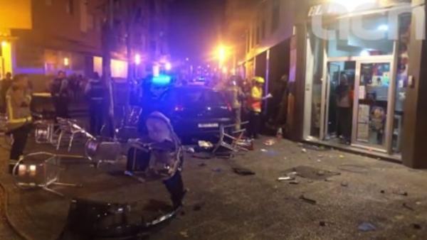 Atropella a varias personas en Girona
