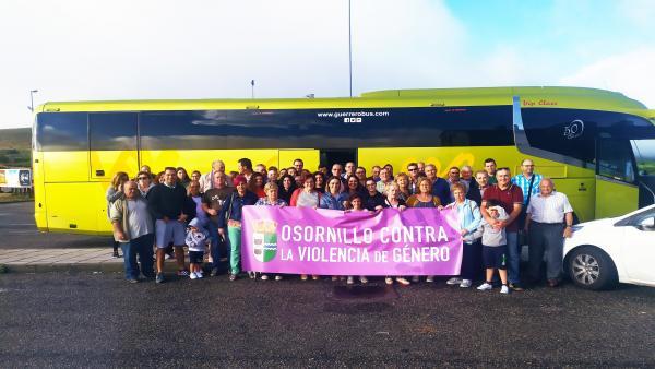 Vecinos y personas vinculadas a Osornillo, en el viaje a Galicia.