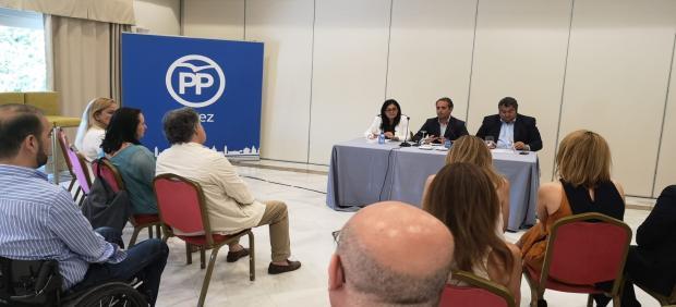 Saldaña en la sede del PP de Jerez