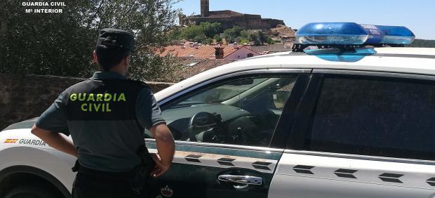Guardia  Civil, en servicio. - Foto de archivo