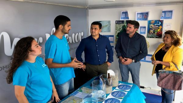 El consejero de Agua, Agricultura, Ganadería, Pesca y Medio Ambiente, Antonio Luengo, presenta las actividades itinerantes destinadas principalmente a los más pequeños