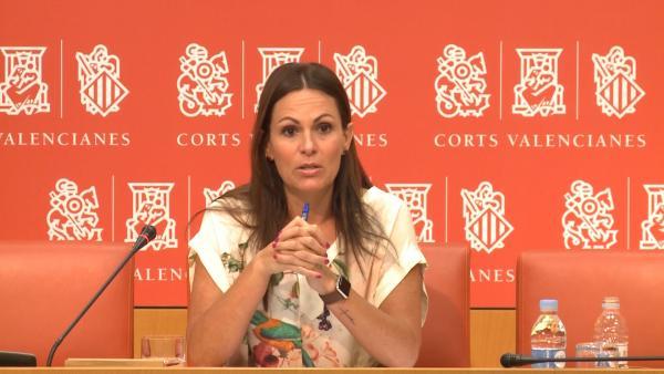 La portavoz de Educación del PPCV en Les Corts, Beatriz Gascó, en rueda de prensa