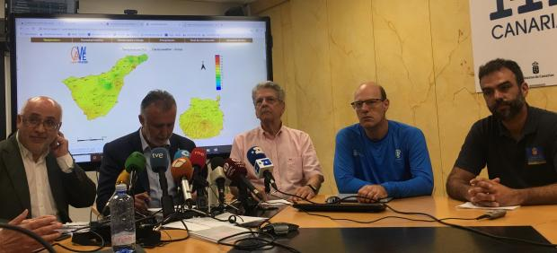 Antonio Morales, Ángel Víctor Torres, Julio Pérez, Florencio López y Federico Grillo en rueda de prensa sobre los incendios en Gran Canaria