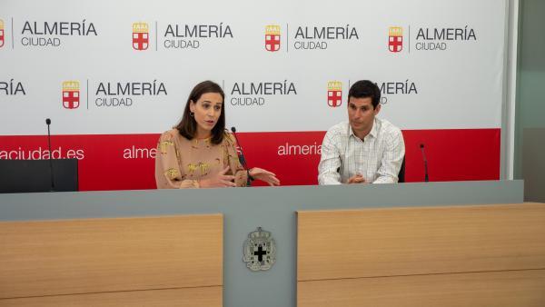 Cobos informa de la campaña de Ecovidrio para la feria de Almería