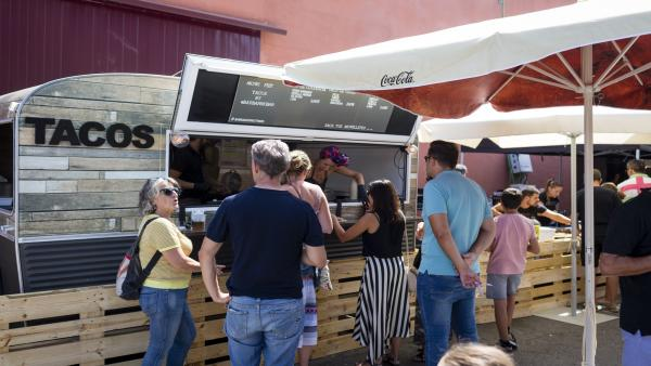Uno de los puestos de comida del Muwi La Rioja Music Fest