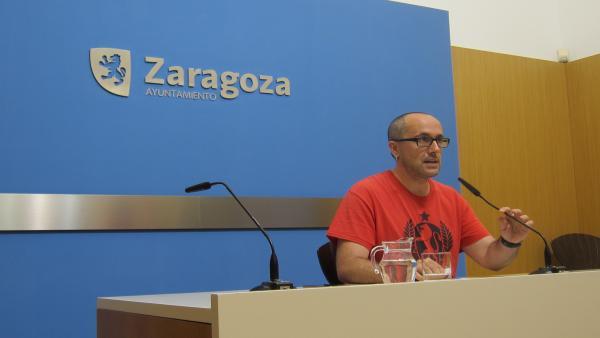 El portavoz de Zaragoza en Común en la Comisión de Servicios Públicos y Movilidad de Zaragoza, Alberto Cubero.