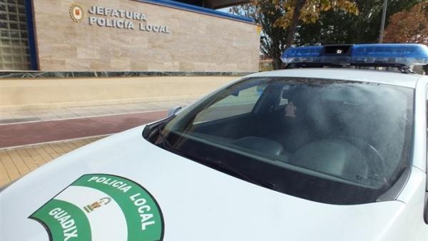 Coche patrulla de Policía Local de Guadix