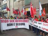 Bomberos de Vigo protestan ante la Inspección de Trabajo y reclaman más personal