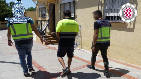 Detención de la Policía Nacional en Tarragona por tráfico de marihuana.