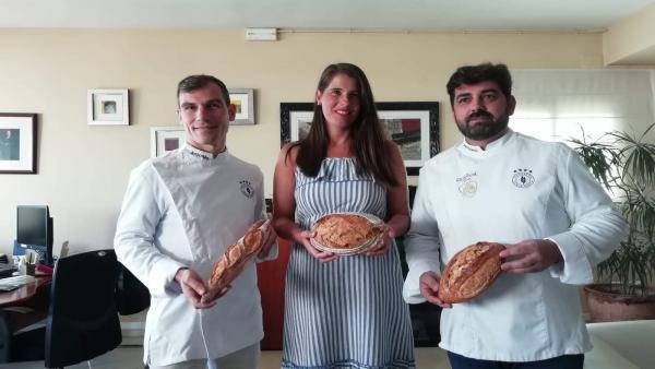 La delegada territorial de Agricultura de la Junta con profesionales del pan