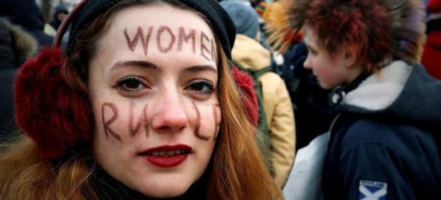 Manifestación feminista en San Petersburgo, Rusia