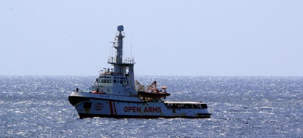 Open Arms en aguas italianas