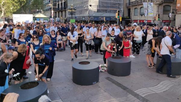 Acto en recuerdo a las víctimas del 17-A en Barcelona