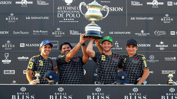 Brunei ganador Copa de Plata Royal Bliss de alto hándicap
