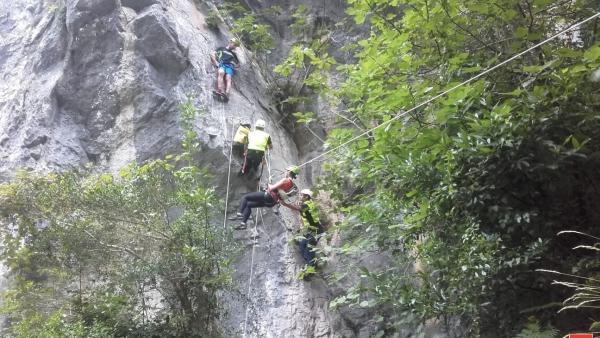 Rescate en la vía ferrata de La Hermida