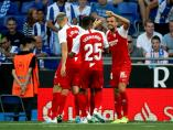 El Sevilla celebra un gol al Espanyol