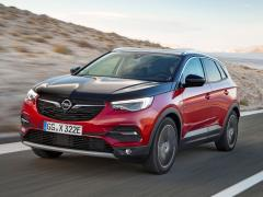 Astra, Corsa y Grandland X híbrido enchufable: los nuevos lanzamientos mundiales de Opel