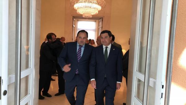 El presidente del PP, Paco Núñez, con el de Andalucía, Juan Manuel Moreno