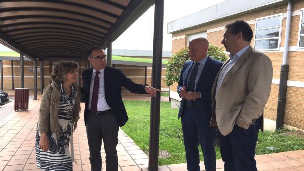 Imagen de la visita al HUCA.