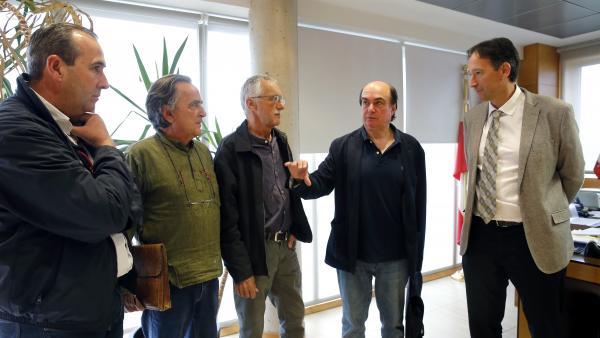 Reunión del consejero de Obras Públicas, Ordenación del Territorio y Urbanismo, José Luis Gochicoa (PRC), con representantes de ARCA