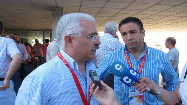 El Secretario General De La FIA-UGT, Luciano Gómez, Ante Los Medios.