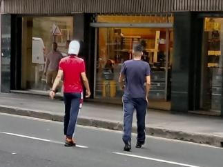 Dos de los acusados de la violación grupal en Bilbao al salir del Palacio de Justicia de Bilbao