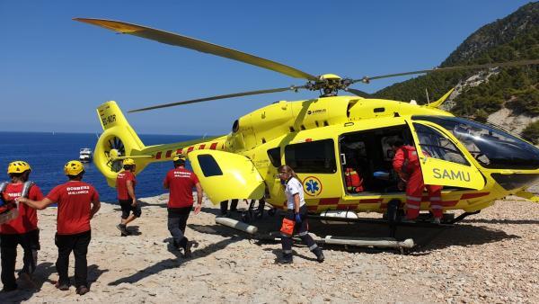 El helicóptero medicalizado del SAMU 061 de Baleares, en un rescate.