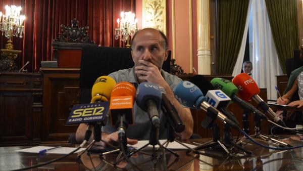 El alcalde de Ourense, Gonzalo Pérez Jácome, en rueda de prensa.