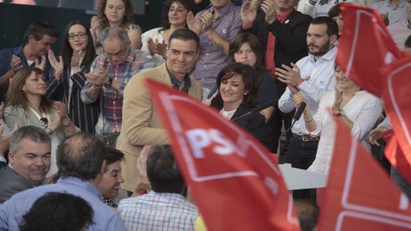 Pedro Sánchez y Concha Andreu en un acto del PSOE en Logroño