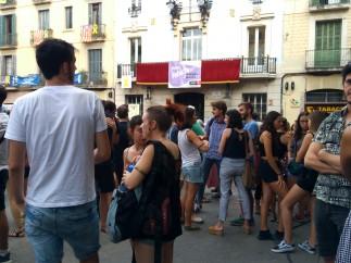 Concentración contra la violación a una mujer cuando volvía a casa en la madrugada del domingo (Barcelona).