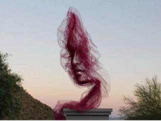 Benjamin Shine desafía a la gravedad con una sutil escultura