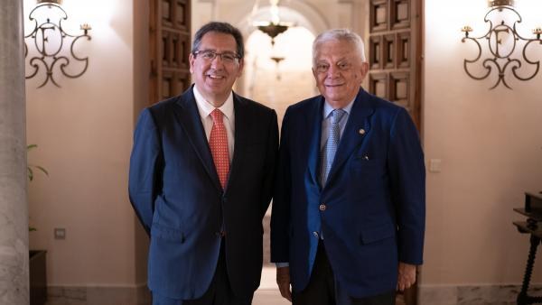 Antonio Pulido, presidente de la Fundación Cajasol y Francisco Herrero, presidente de la Cámara de Comercio de Sevilla